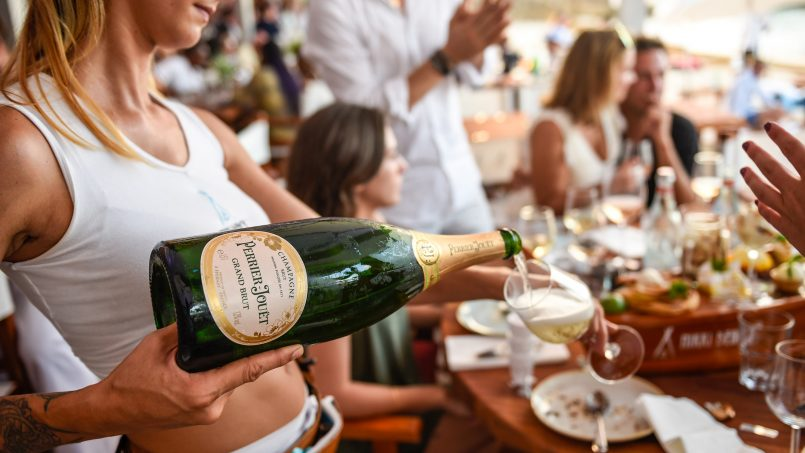 A Perfect Pairing: Wine and Yacht Chartering